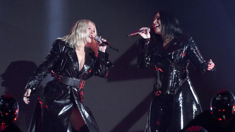 Christina Aguilera (vľavo) a Demi Lovato