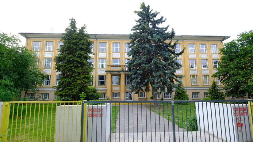 škola, Šamorín, Základná škola Mateja Bela