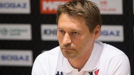 Slovan má iný problém ako dlhy. Chýbajú mu hráči a nových nemôže priviesť 961aeeb7a86