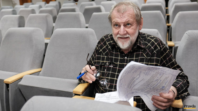 Jozef Pasteka, scenarista, reziser, dramaturg