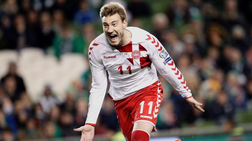 Soccer WCup Group C Denmark Bendtner