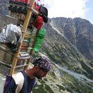Nosiči, šerpovia, Vysoké Tatry, náklad, turistika, vysoke tatry, turista, turisti, nosic, cestovny ruch, cesta na T