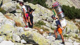Nosiči, šerpovia, Vysoké Tatry, náklad, turistika, zásobovanie