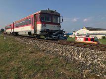 zrážka, vlak, osobné auto, Bánovce nad Bebravou