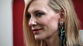 Herečka Cate Blanchett predviedla výrazné šperky.