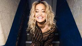 Speváčka Rita Ora v kreácii Fendi.