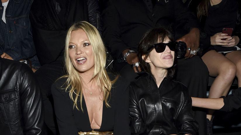 Kate Moss (vľavo) a herečka Charlotte Gainsbourg