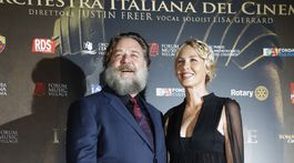 Russell Crowe a herečka Connie Nielsen
