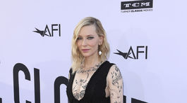 Cate Blanchett v kreácii Yacine Aouadi.