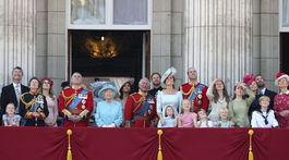 Britain Zástupcovia britskej kráľovskej rodiny na balkóne Buckinghamského paláca.