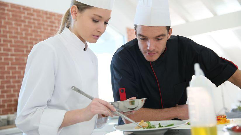 práca, brigáda, reštaurácia, kuchyňa, kuchár,...
