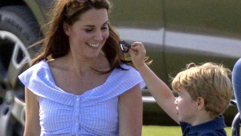 Kate z Cambridge sa zabáva so synom - princom...
