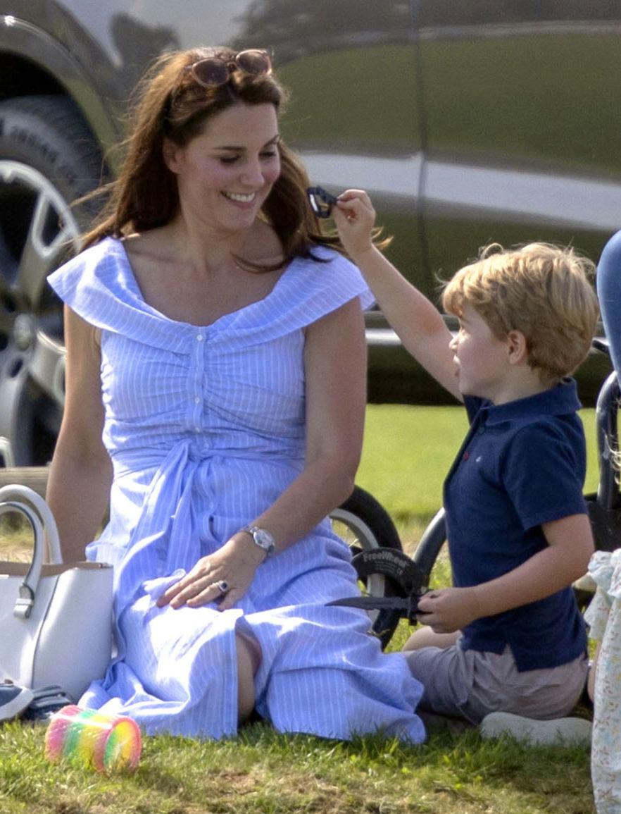 1e7e5f70ad72 Keď šľachta nosí aj módu za pár eur... fenomén Kate