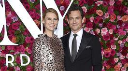 Tehotná herečka Claire Danes a jej manžel Hugh Dancy nechýbali.