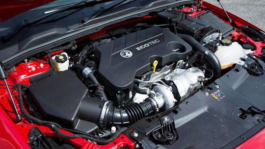 Aj Opel škrtá motory. Na nové si počkáme
