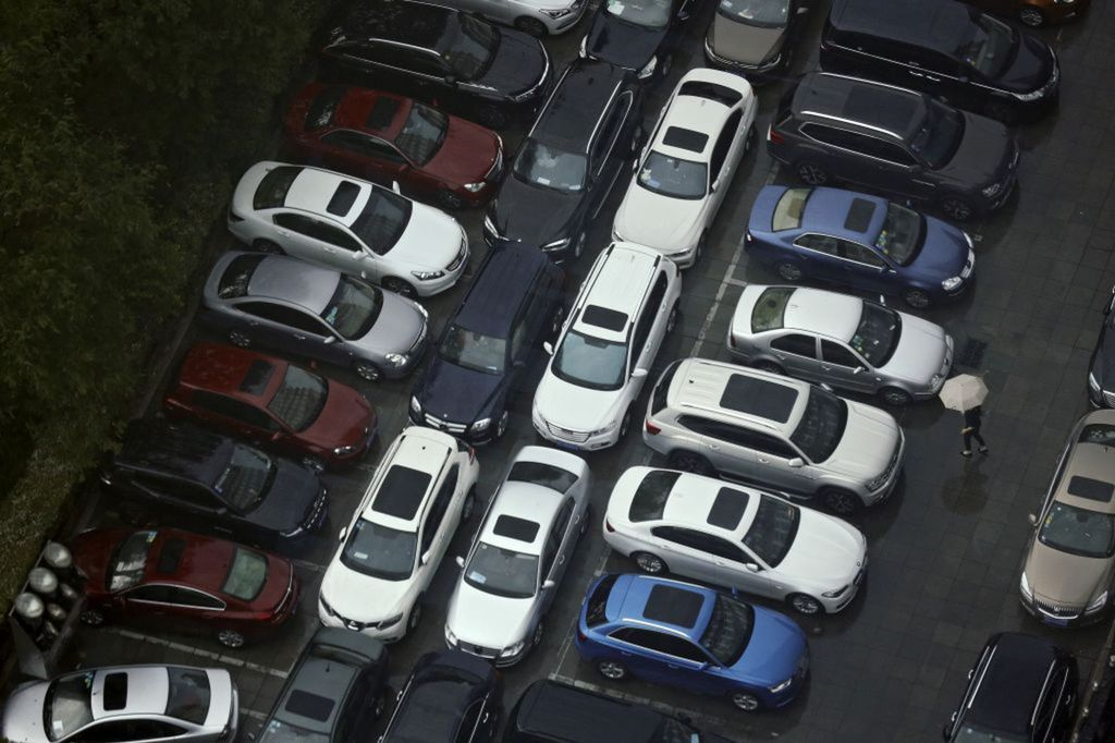autá, parkovisko, Čína, dážď