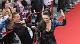 Herečka Zuzana Mauréry prichádza na festival.