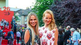 Kolegyne a kamarátky - herečky Milena Minichová (vľavo) a Eva Sakálová.