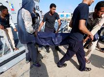 Bude Európa vracať lode s migrantmi do Afriky?