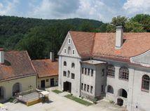 Múzeum bábkarských kultúr a hračiek v Modrom Kameni