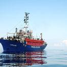 Taliani aj Malta odmietli prijať ďalšiu loď s migrantmi. Neľudské, znie z Ríma