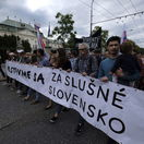 Ľudia znova vyrazili do ulíc, v Bratislave ich podporili aj farmári