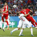 Srbi zúria. Prečo rozhodca neskúmal na videu penaltu? Načo ho teda zaviedli?