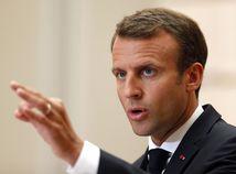Macron je za finančné sankcie voči krajinám EÚ odmietajúcimi azylantov
