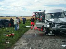 nehoda, záchranka, dodávka, autá