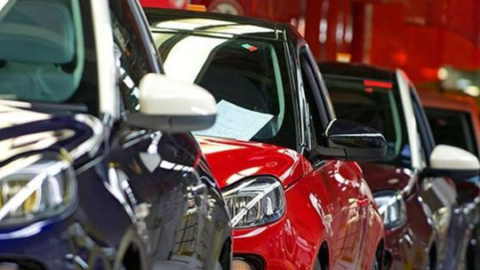 JATO: Svetovým predajom vládne pick-up od Fordu. VW Golf je tretí