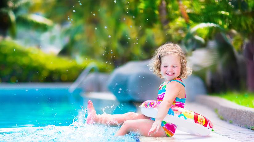 dieťa, bazén, leto, horúčavy, osvieženie,