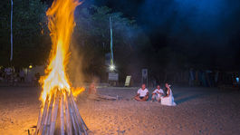 Svadba, Lombok, Indonézia, oheň, pláž