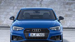 Audi-A4-2019-1024-0b