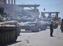 Asadova armáda postupuje, z dobytých území odsúvajú ďalších povstalcov s rodinami