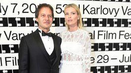 Modelka Daniela Peštová a jej manžel - spevák Pavol Habera patrili medzi najkrajšie páry večera.