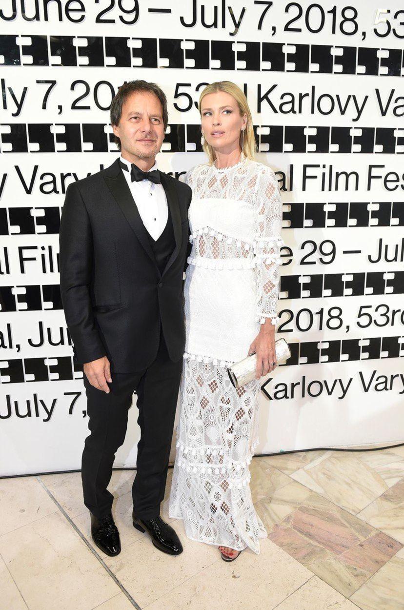 Modelka Daniela Peštová a jej manžel - spevák...