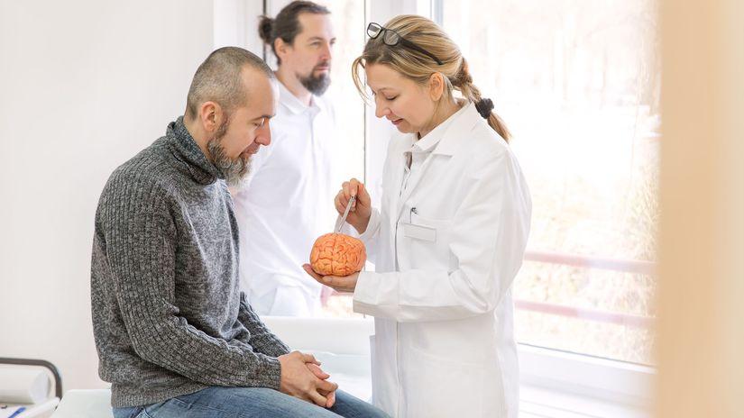 pacient, lekár, diagnóza, vyšetrenie, mozog,...