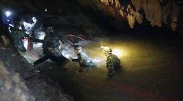 Thajsko, pátranie, jaskyňa