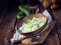 Zemiakový šalát s kôprom a uhorkou