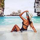 pláž, leto, more, oceán, dovolenka, ostrov, útesy, kúpanie, opaľovanie, cestovanie, klobúk, plavky, slnko, teplo,