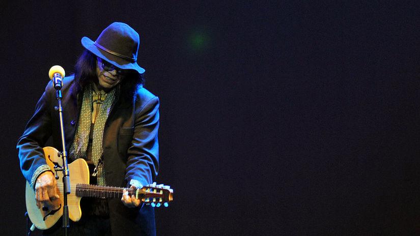 Hudobník Sixto Rodriguez na archívnom zábere z...