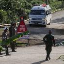 Von z jaskyne je už ôsmy chlapec, záchranná akcia v Thajsku pokračovala i v pondelok