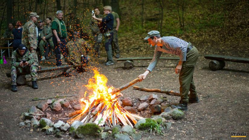tramping, výročný oheň,