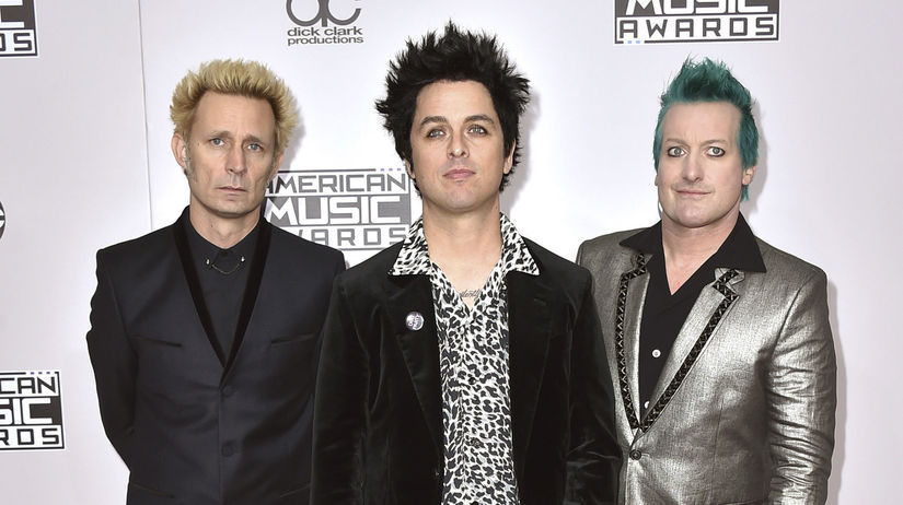 Zľava: Mike Dirnt, Billie Joe Armstrong a Tre...