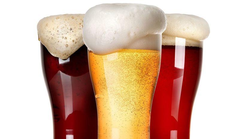 pivo, poháre,