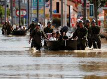 japonsko, horúčavy, povodne, vojaci, armáda