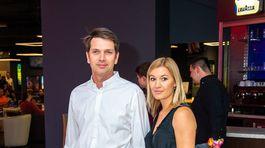 Herec Marek Majeský prišiel do kina aj so svojou pôvabnou manželkou.