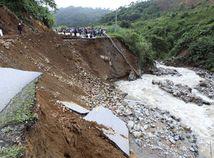 záplavy, zosuv, rieka, povodne