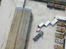 Snímky z dronu nad klubom Nočných vlkov: Vidieť tanky aj obrnené vozidlá