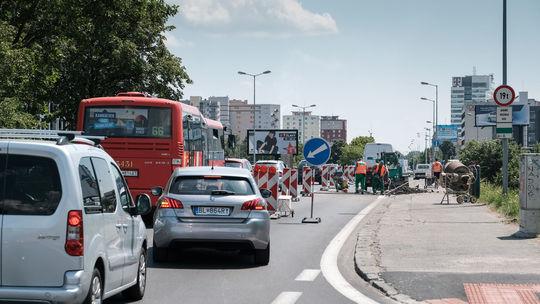 Dopravná kolóna na Bajkalskej ulici v Bratislave